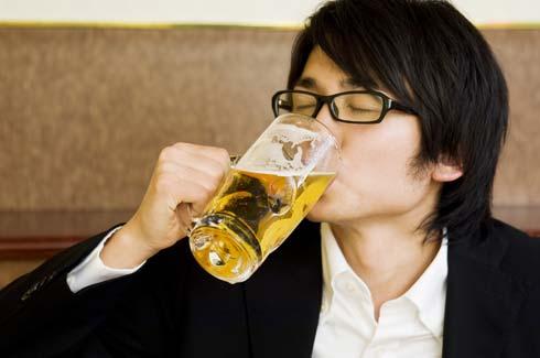 美味しくてもアルコールの飲みすぎには注意が必要